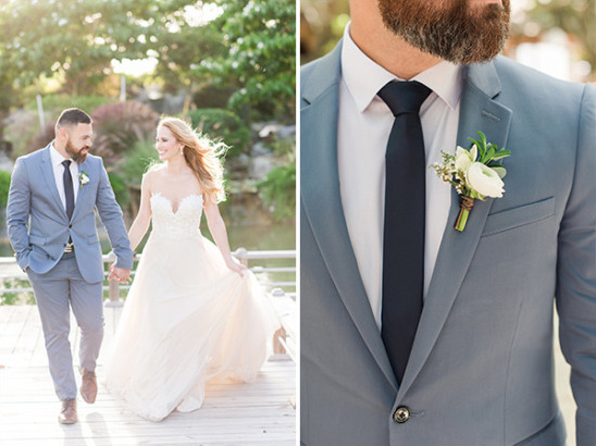 grooms gray blue suit with navy tie
