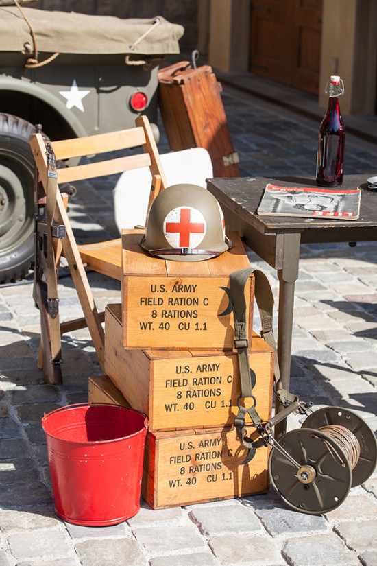 1940s military police inspired welcome table