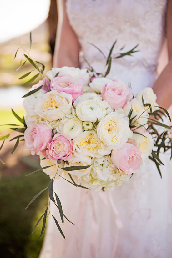 white ivory and pink bouquet