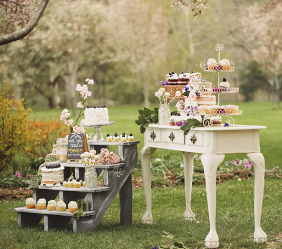 Spring Vintage Wedding Ideas: How To Set Up A Shabby Chic Dessert Table