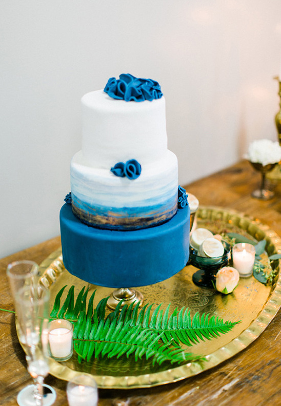 blue and gold ombre wedding cake