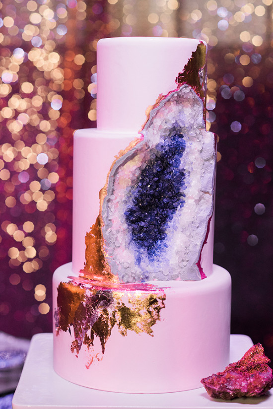 Blue and gold geode cake detail