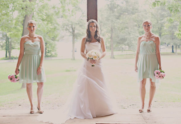 DIY Barn Wedding With Heart