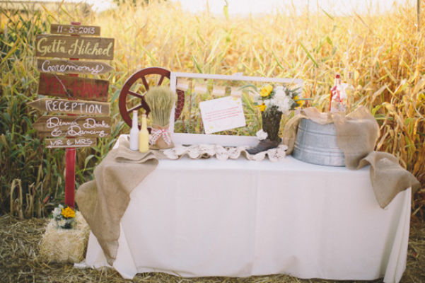 Country Burlap And Lace Wedding