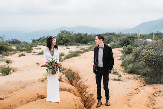 Desert wedding photo idea