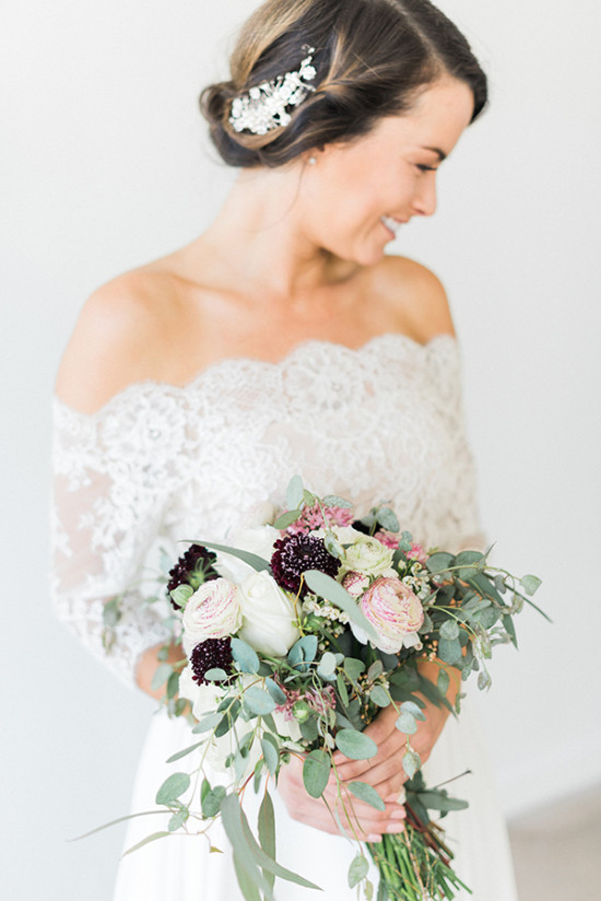 bridal style and vintage style wedding bouquet