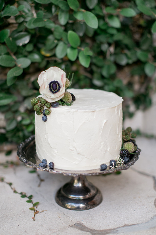 white wedding blueberry cake