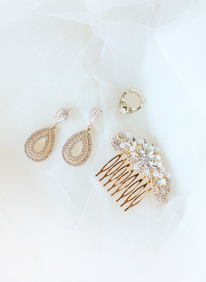 Hair and jewelry accessories