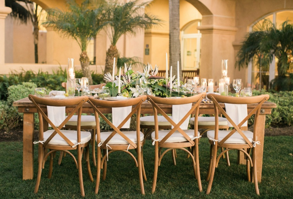 Tropical outdoor reception idea