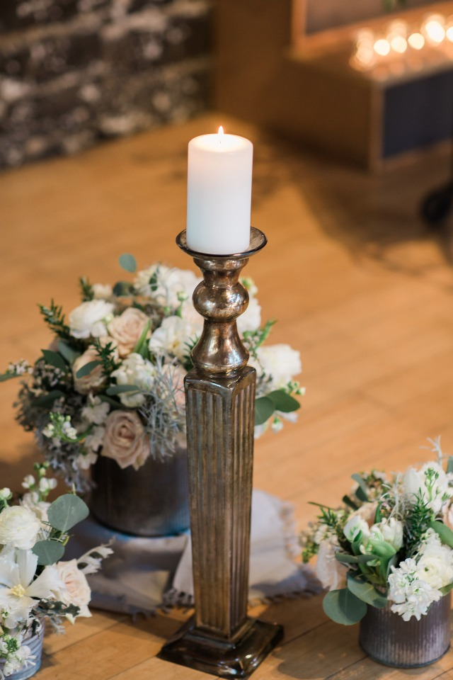romantic pedestal candles