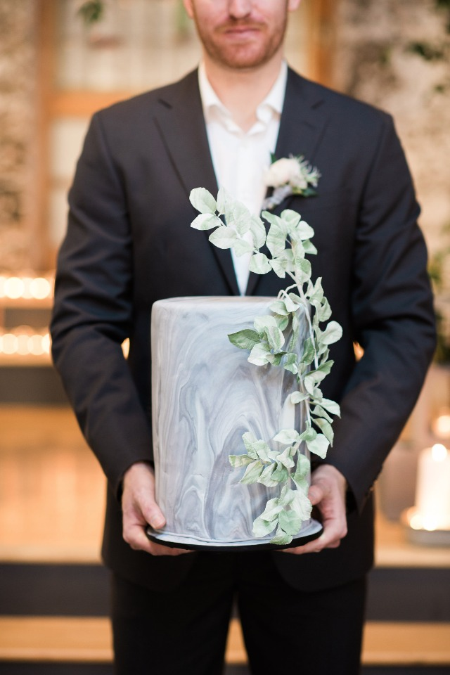 marbled modern wedding cake with ivy accent