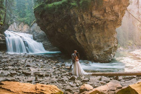 Meg Courtney Photography Loves Adventurous Couples