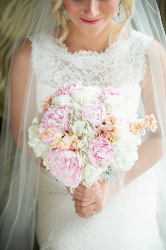 pink blush and white wedding bouquet