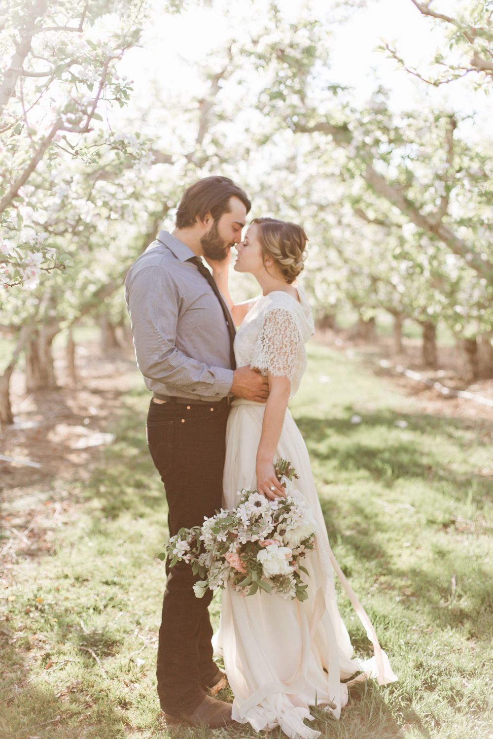 beautiful sunny orchard wedding