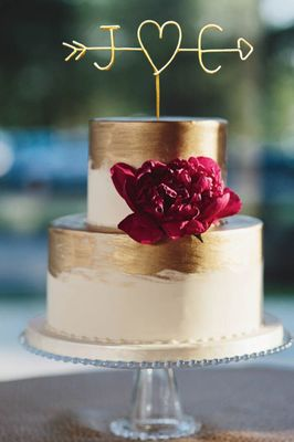 20 Wedding Cake Toppers We Love