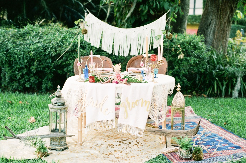 indie style sweetheart table with eclectic details
