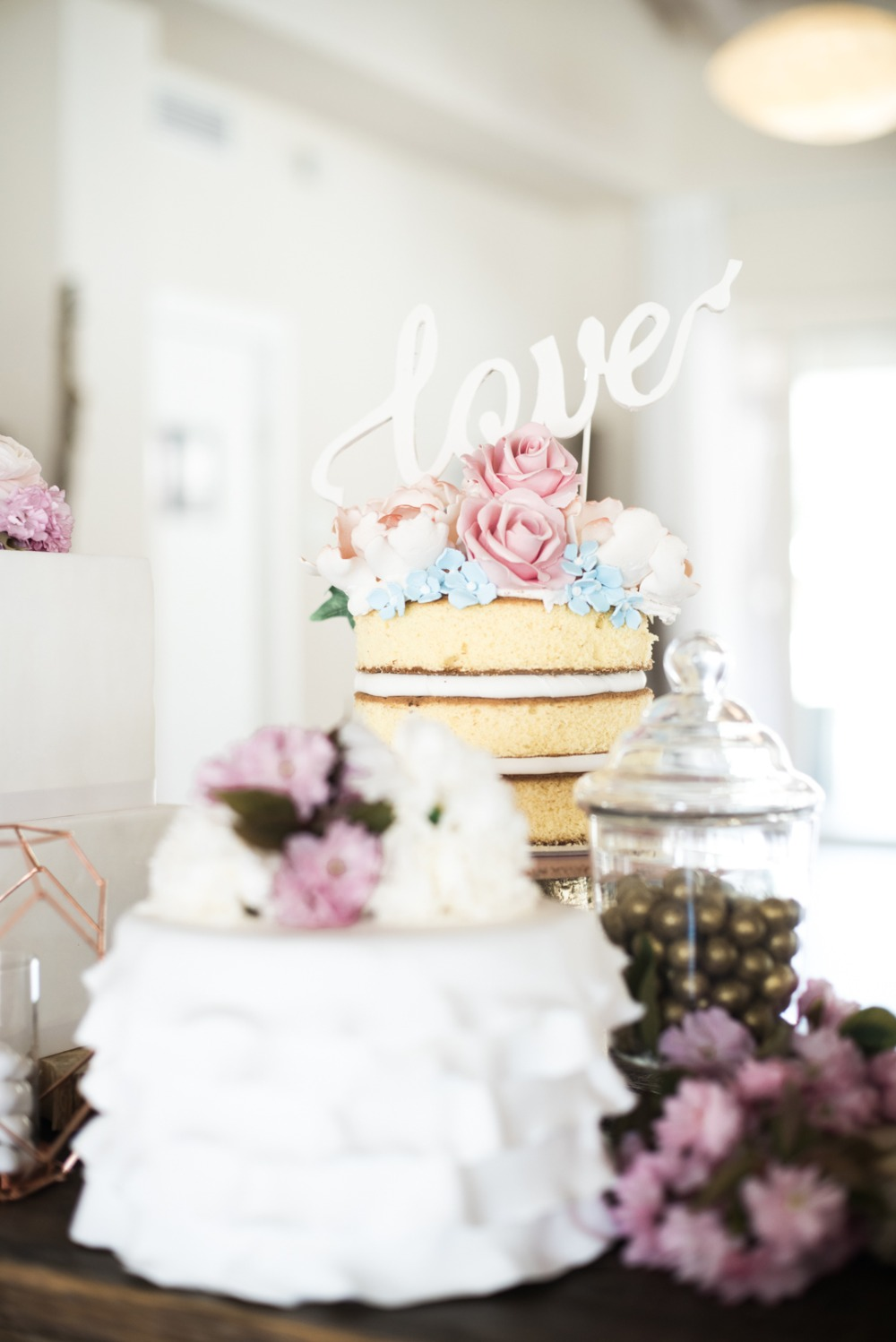 wedding cakes galore