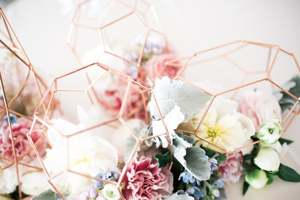 geometry and organic flowers make the perfect modern centerpiece