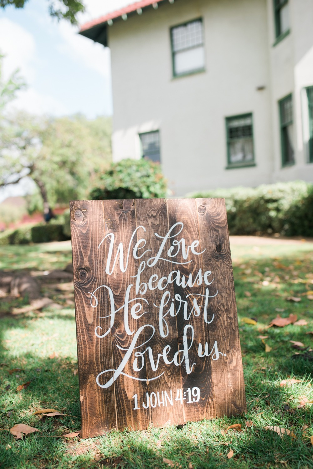 Wood wedding sign idea