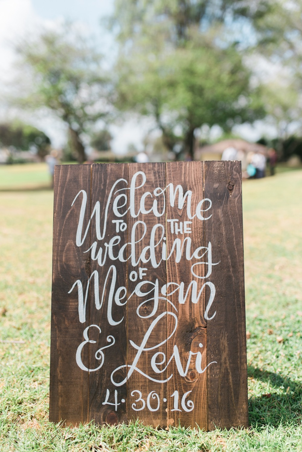 Calligraphy wedding sign idea