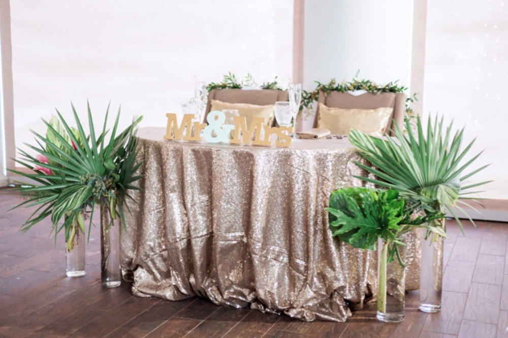 gold sequin sweethearts table