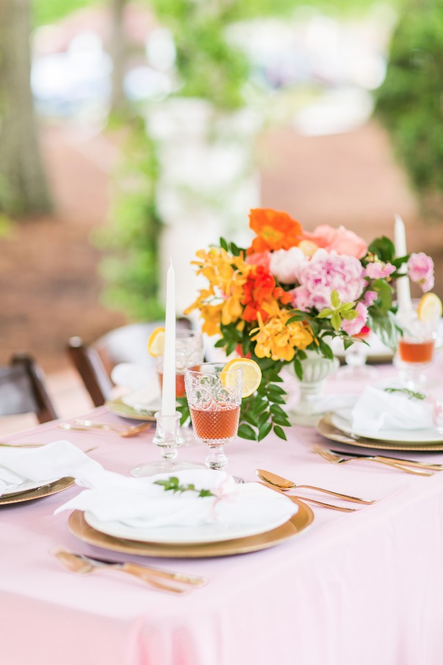 southern style wedding table decor
