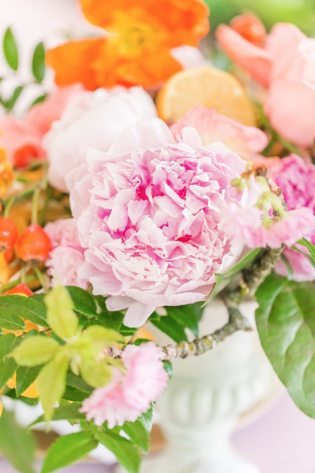 beautiful wedding flowers in bright colors