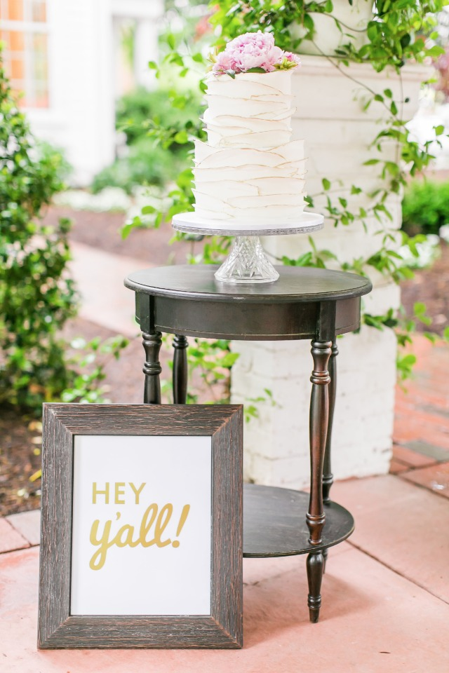 love this hey ya'll cake table sign