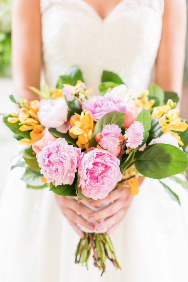 bright and cheery wedding bouquet