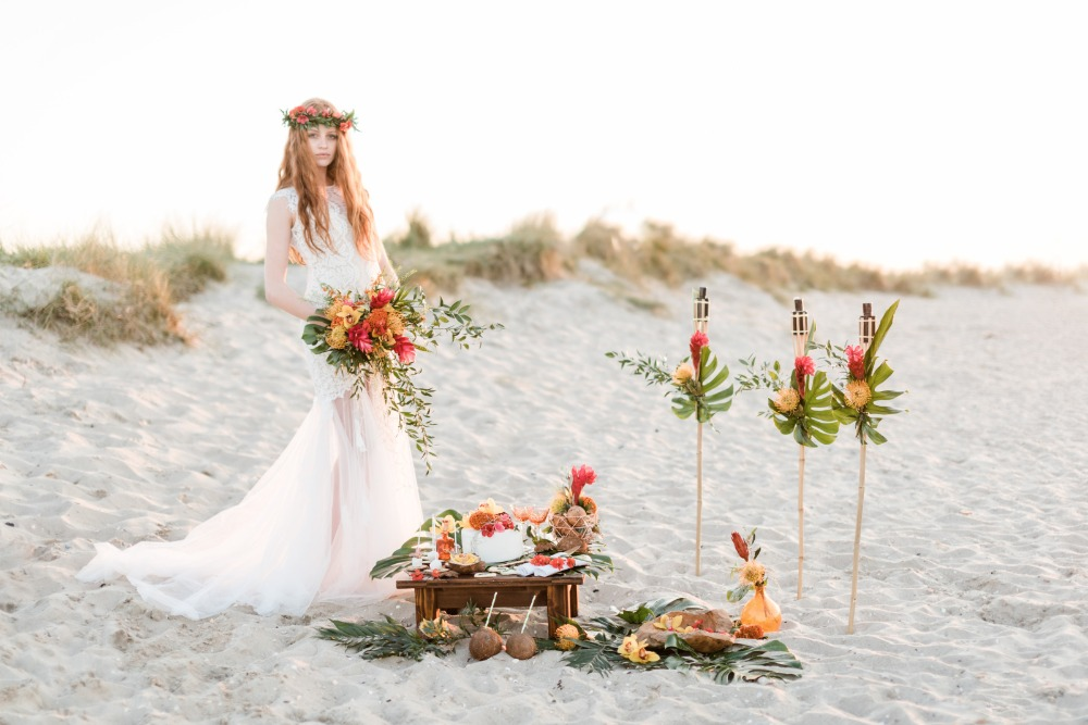 Tropical wedding decor and details from Germany