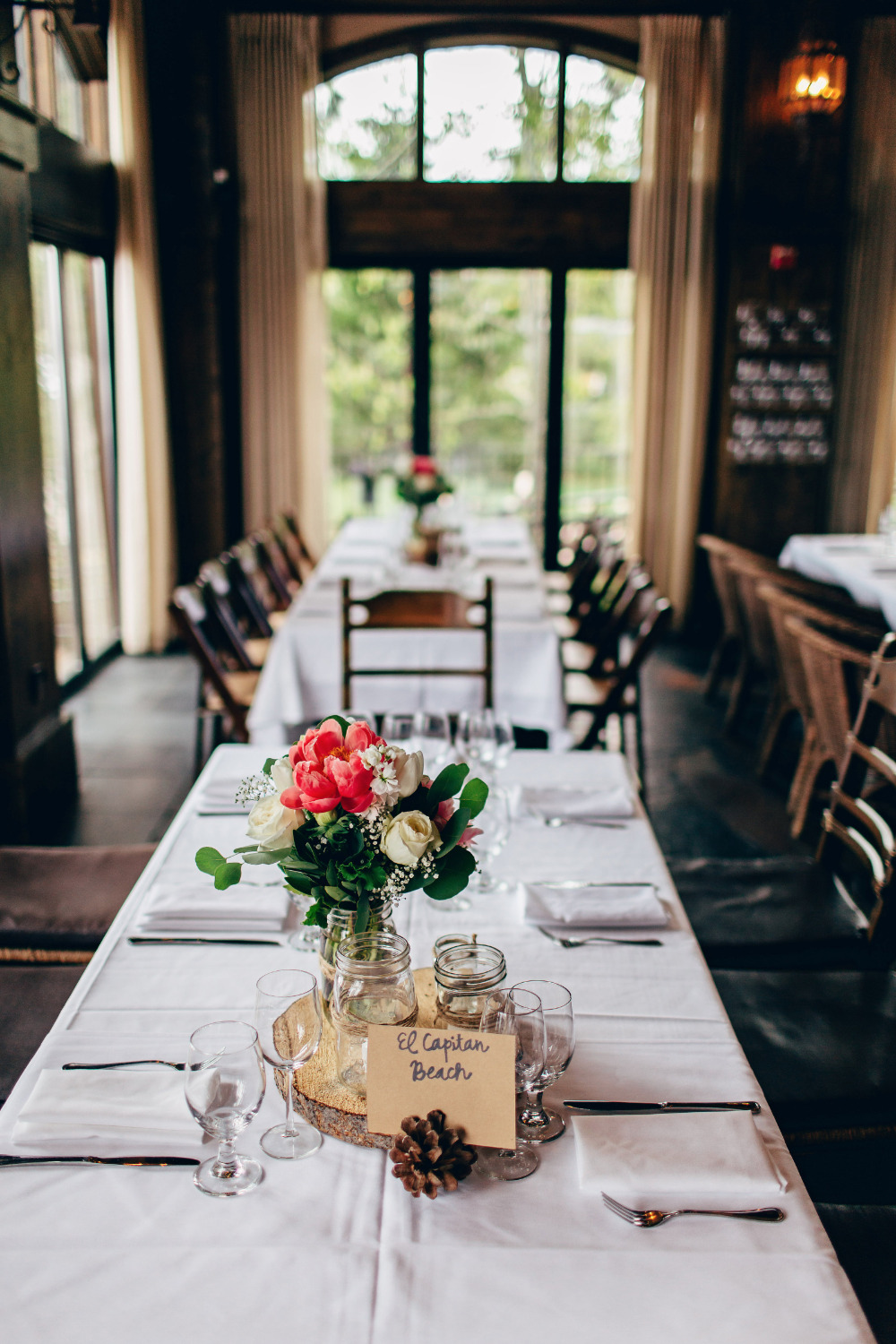 simple and stylish rustic wedding reception