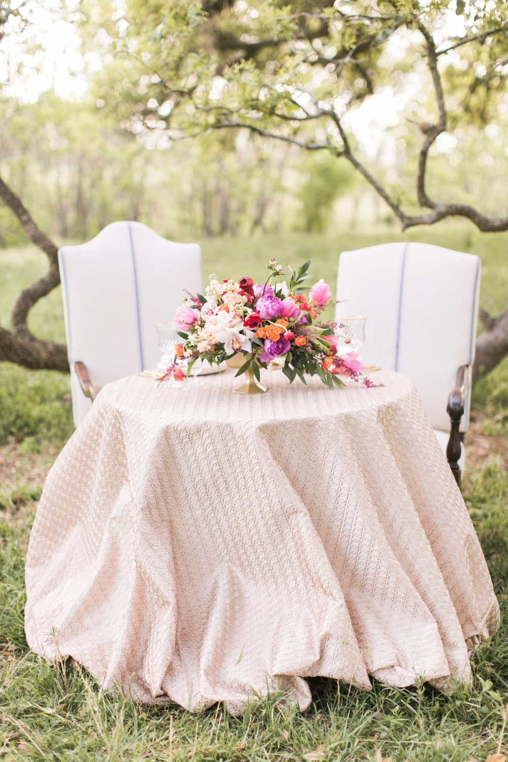 beautiful blush sweetheart table idea