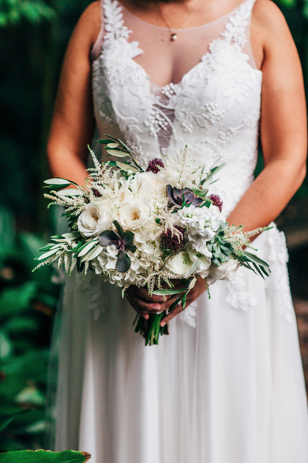 white and purple luxe wedding bouquet
