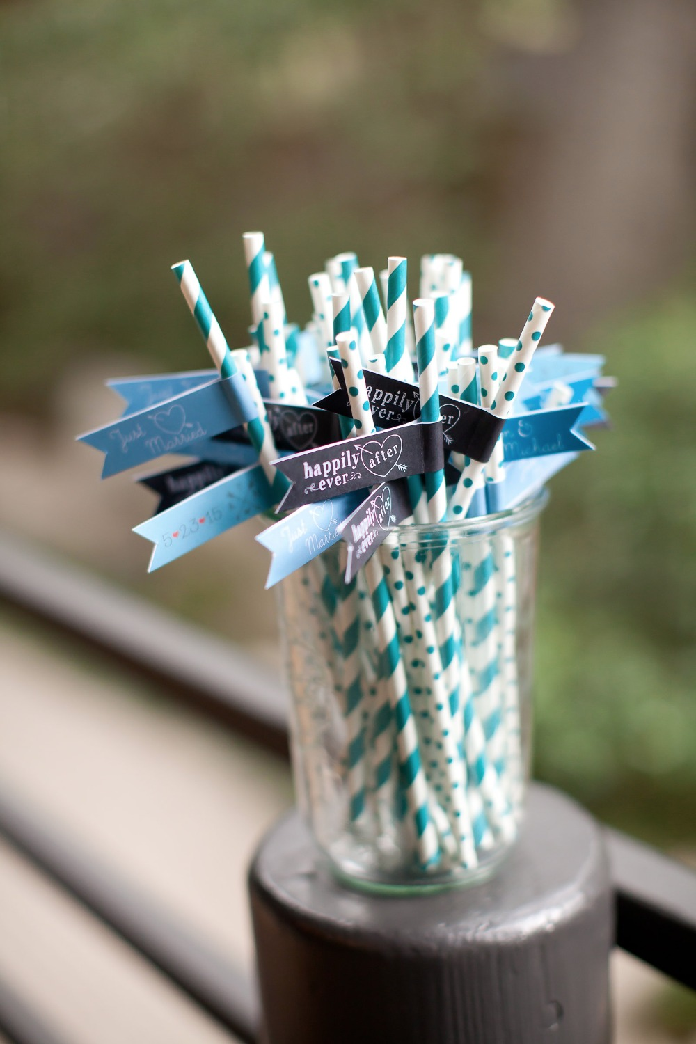 wedding drink straws in teal and blue