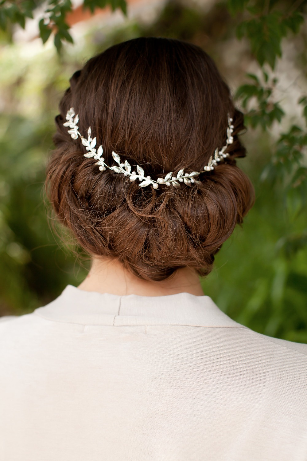 delicate wedding halo in a vine pattern