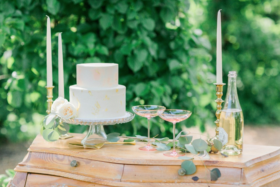 elegant pink white and gold cake table