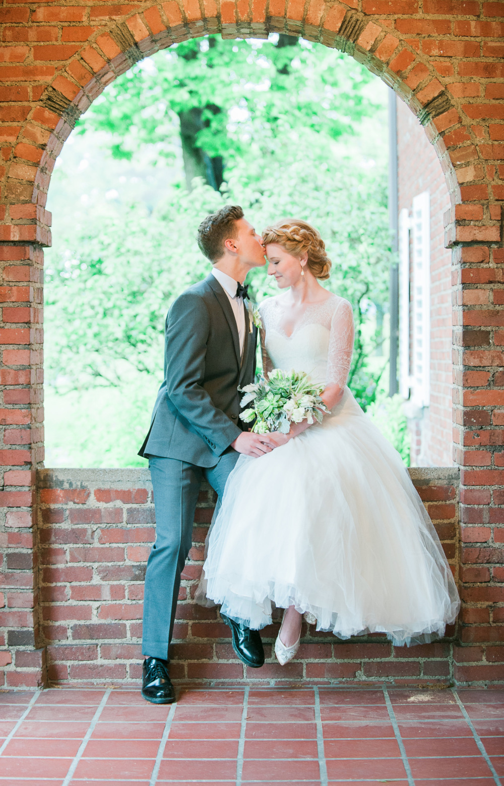beautiful brick wedding venue photography backdrop