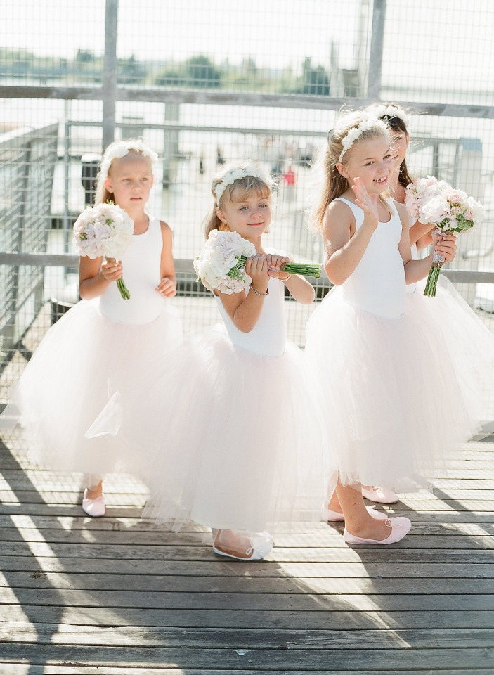 We are in love with these flower girls
