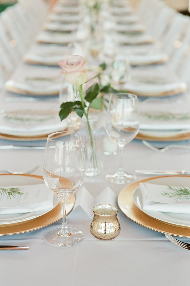 simple and clean table decor in white gold and blush