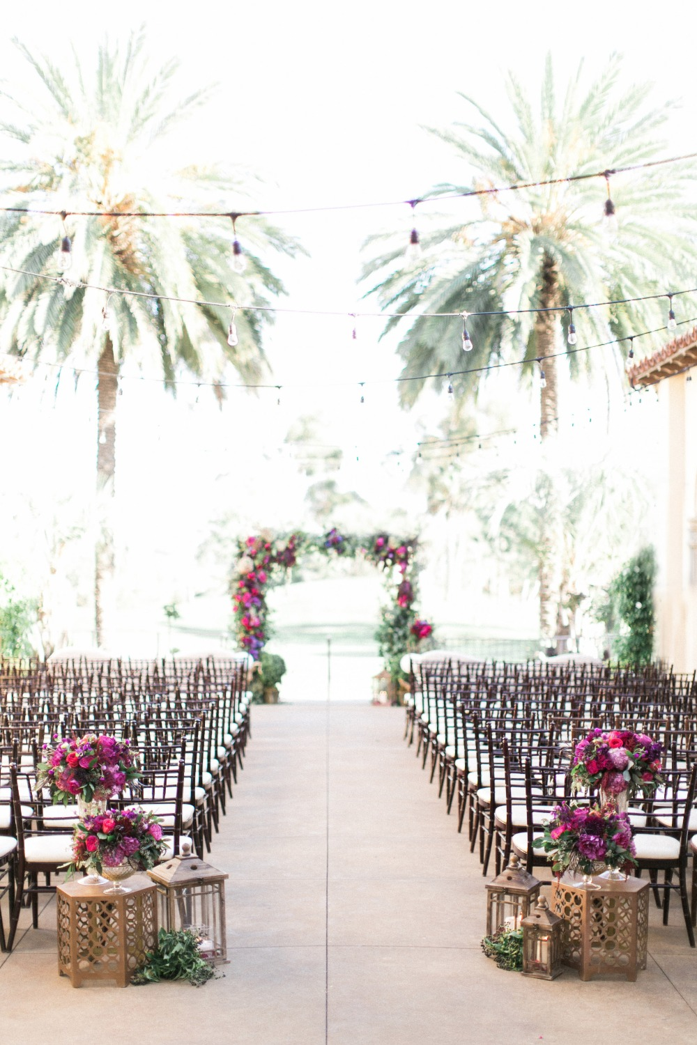 Romantic outdoor ceremony