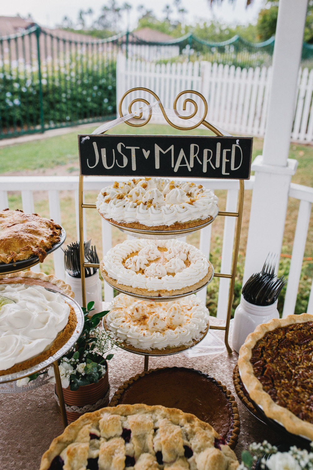 just married wedding pie stand