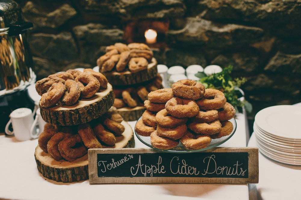 fall is perfect for an apple cider donut bar