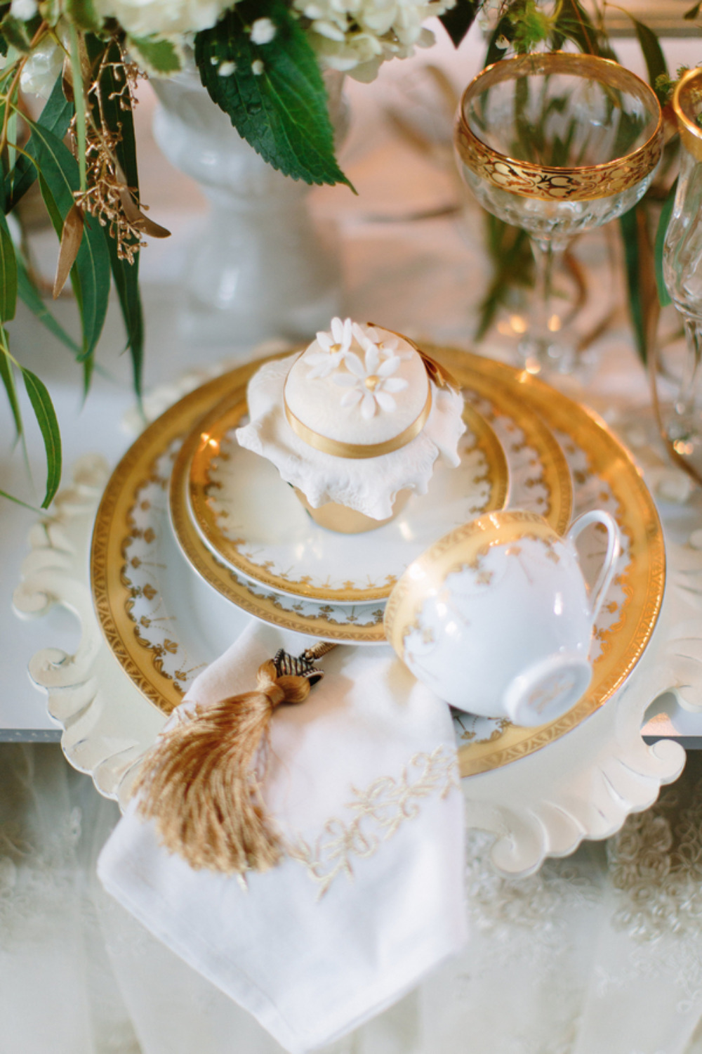cupcake teacup place setting