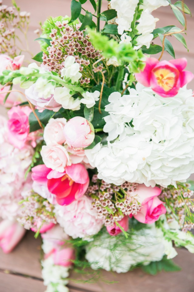 bright pink and white wedding flowers