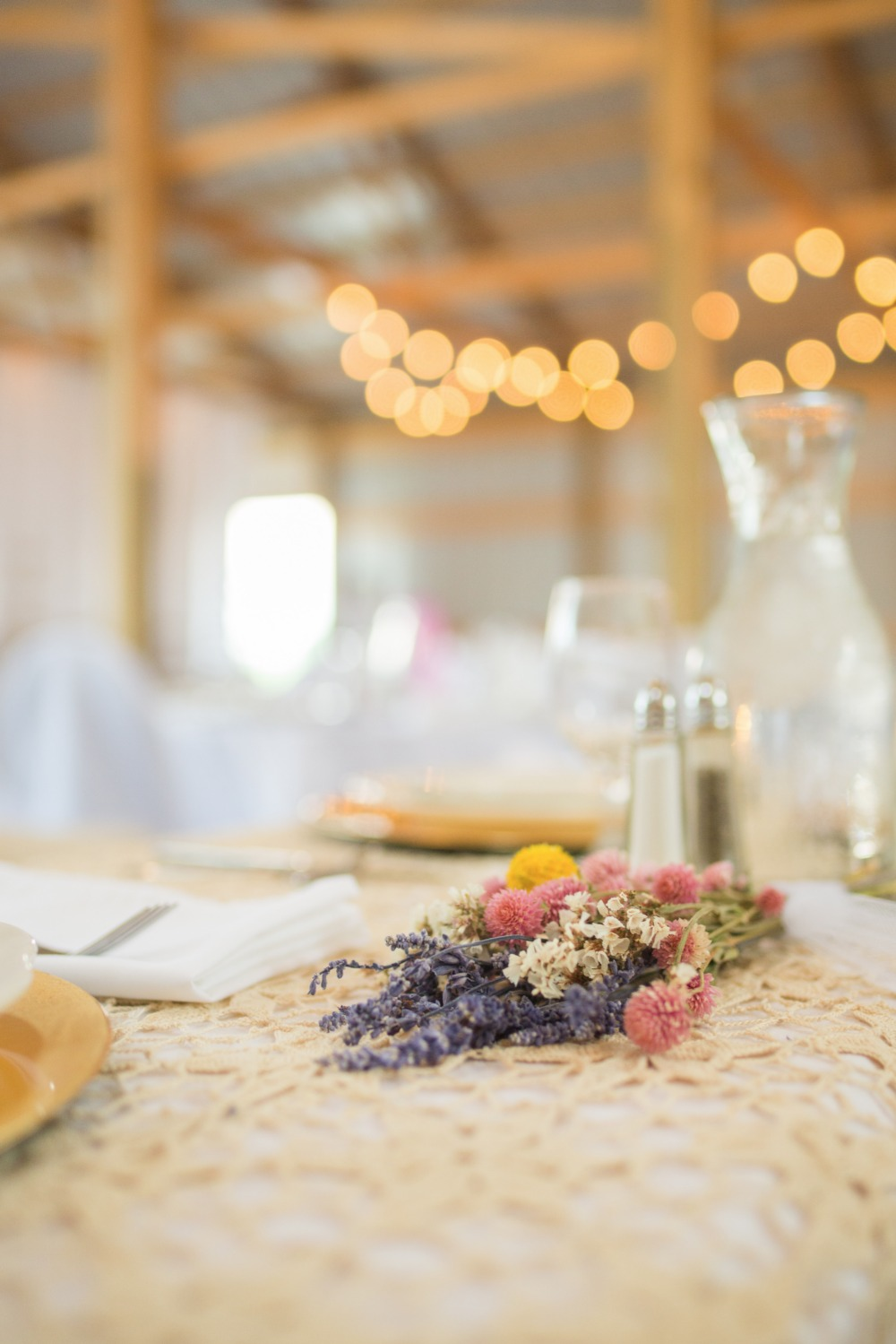 wild flower table decor