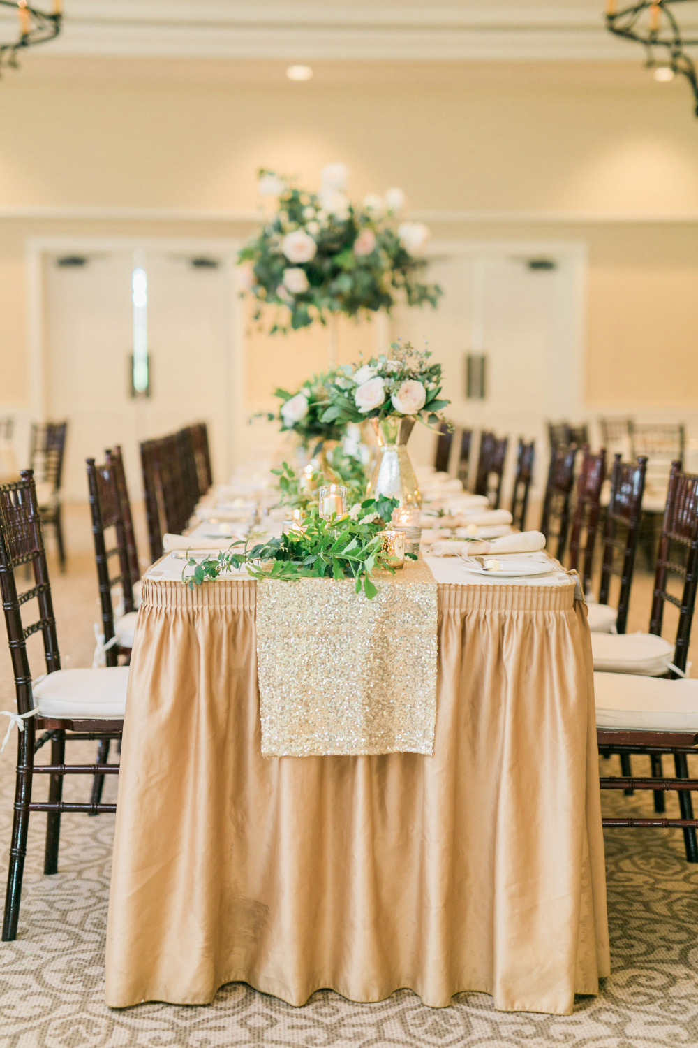 gold glitter glam wedding reception ideas