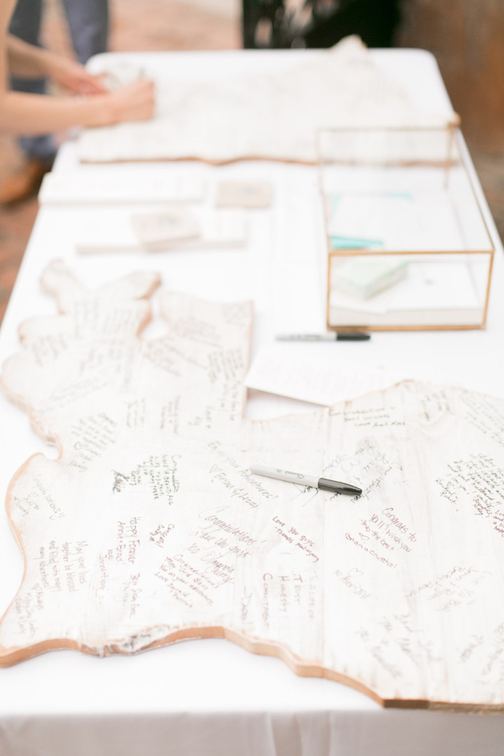 US state shaped guest books