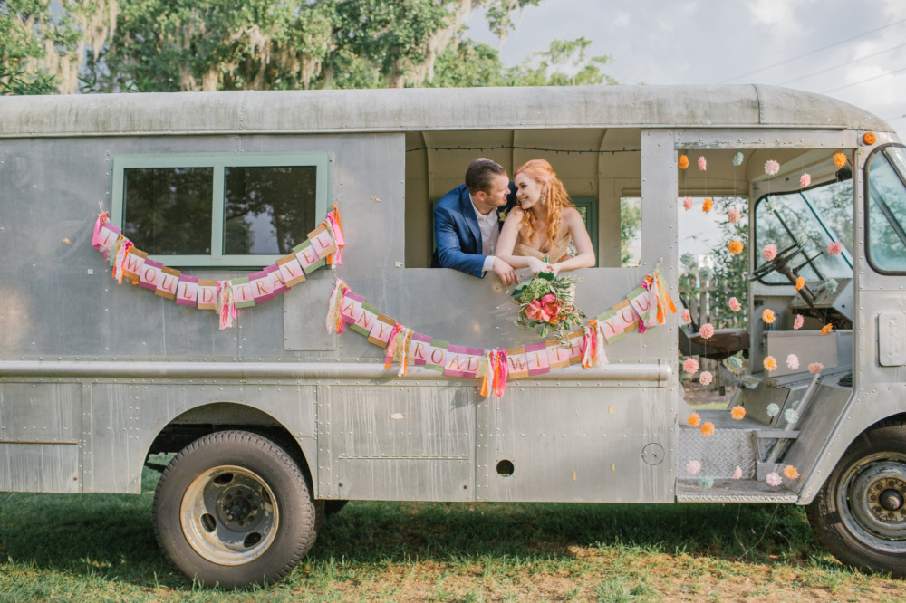 vintage bus for wedding photo op