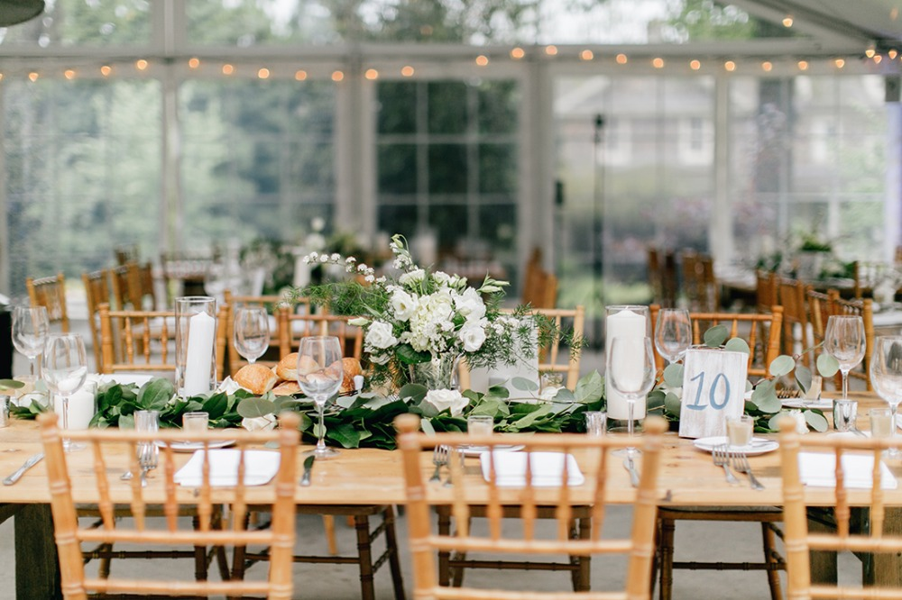 Natural green and white reception decor