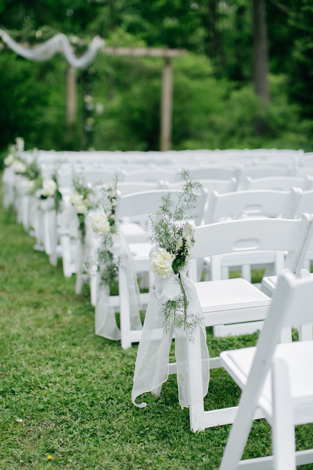 Simple aisle decor idea